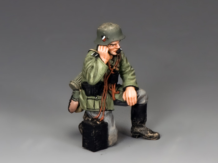 Kneeling Soldier w/Field Radio