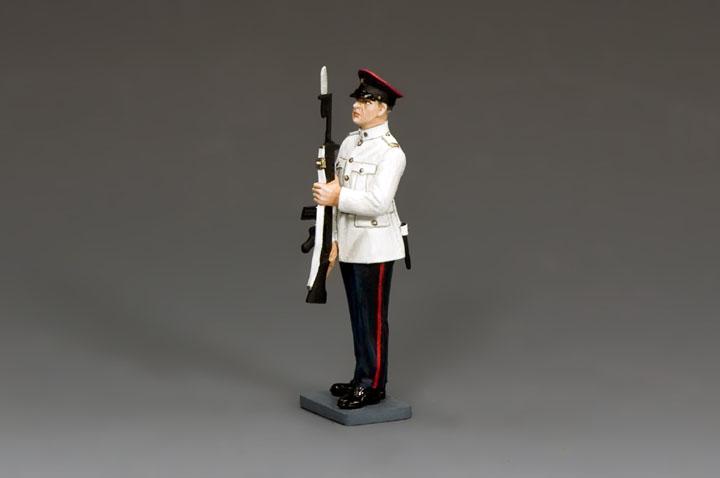 CHK007 RHKR Corporal Present Arms