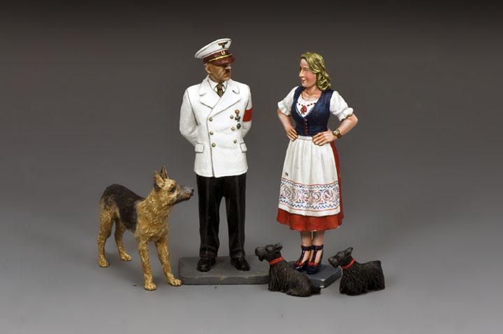 Hitler, Eva, Blondi & her dogs
