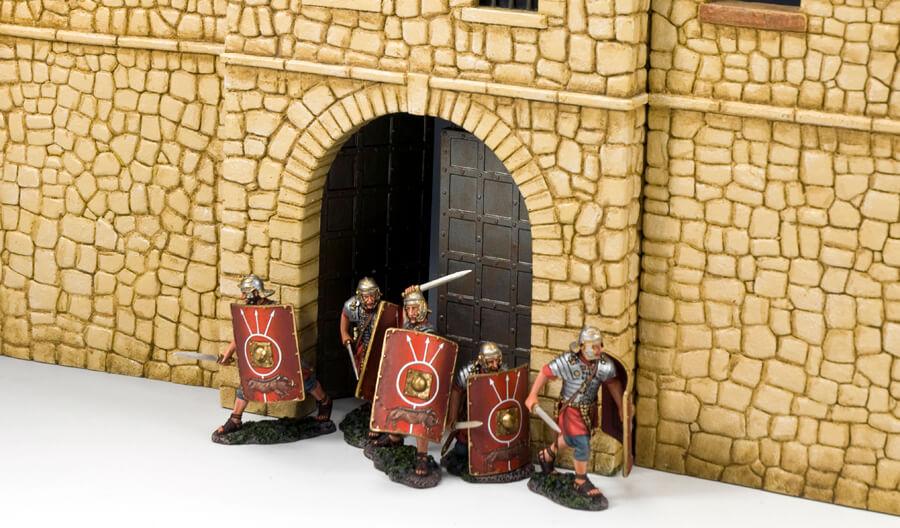 ROMAN SWORDS & SHIELDS