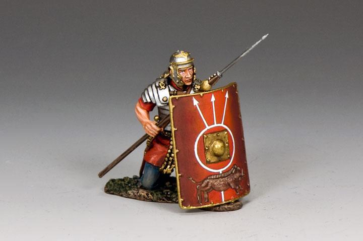 RoM024 Roman Soldier Kneeling w/ Pilum