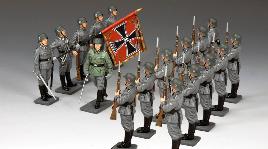 WAFFEN SS ON PARADE